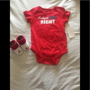 NIKE AIR JORDAN BABY BOOTIES 0-6M BODYSUIT BOYS